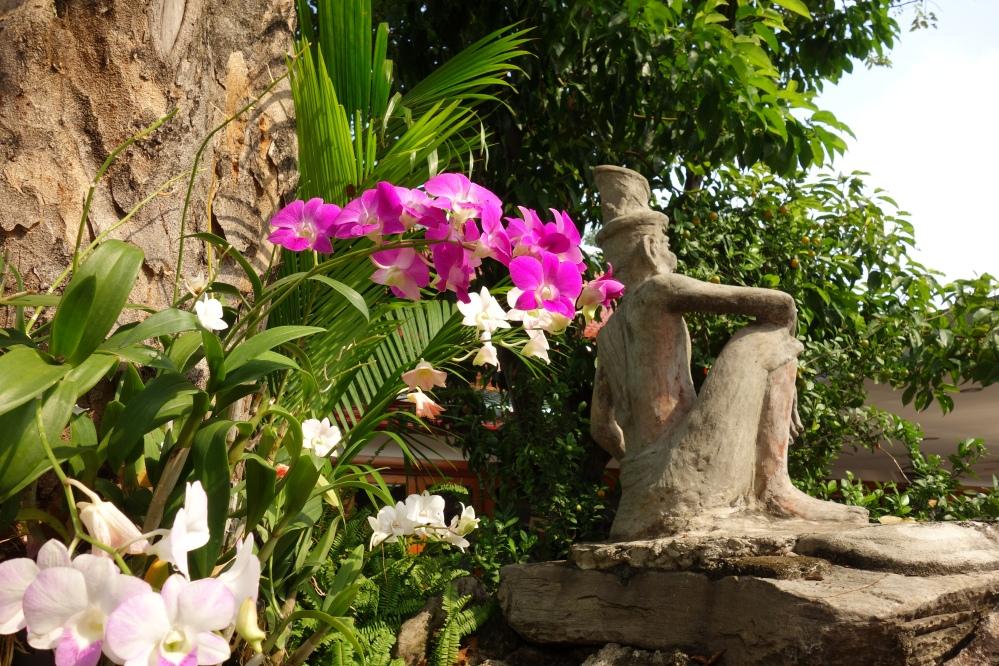bangkok-wat_pho-statues-de-dos